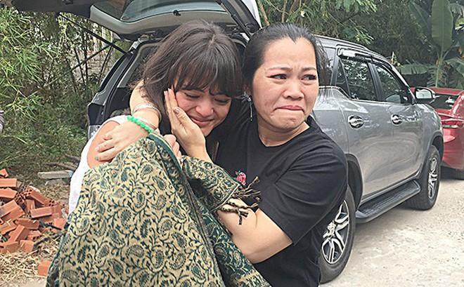 Cô gái Pháp sang Bà Rịa - Vũng Tàu tìm cha: Cuộc hội ngộ xúc động với gia đình bên nội