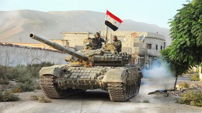 Xe tăng Nga gầm rú ở Syria: Có một loại chủ lực khiến khủng bố kinh hồn bạt vía - Ảnh 3.