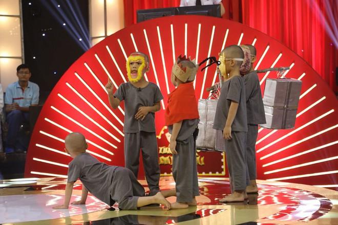 5 chú tiểu Bồng Lai lập kỷ lục Thách thức danh hài, hạ gục giám khảo và ẵm trọn 200 triệu đồng - Ảnh 1.
