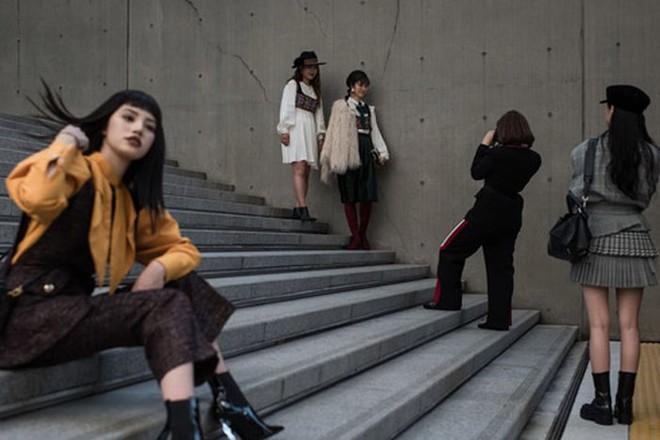 Phụ nữ Hàn Quốc thách thức những chuẩn mực sắc đẹp - Ảnh 1.