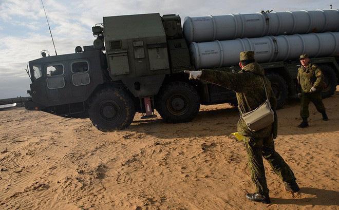 """Israel tấn công Syria: Tên lửa S-300 """"đầu hàng và nuốt hận"""" trong im lặng?"""