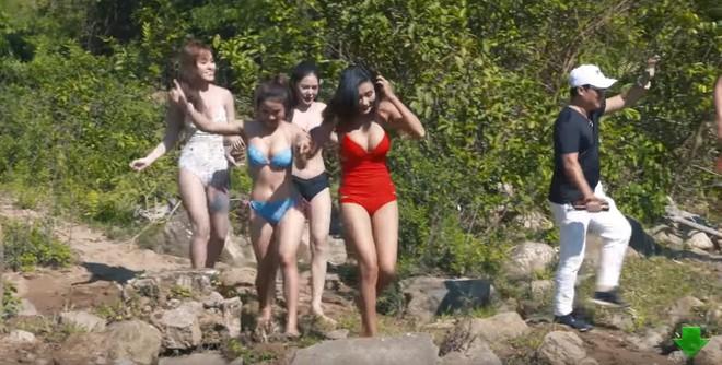 Bị chỉ trích vì đóng phim hài Tết có nhiều cảnh nóng và thô tục, NSƯT Quang Tèo nói gì? - Ảnh 1.
