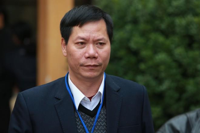 4 GS, PGS ra tòa nói về chuyên môn: BV Bạch Mai không xử lý nước RO như BV Hòa Bình! - Ảnh 1.