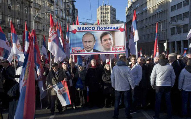 """Nga tuyên bố giúp Serbia nâng cấp phòng thủ trước """"bão NATO"""""""