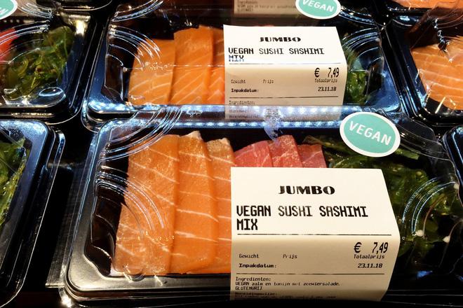 Nhìn cực ngon mắt nhưng bạn sẽ phải ngạc nhiên khi biết đĩa sashimi này được làm từ thứ gì - Ảnh 5.