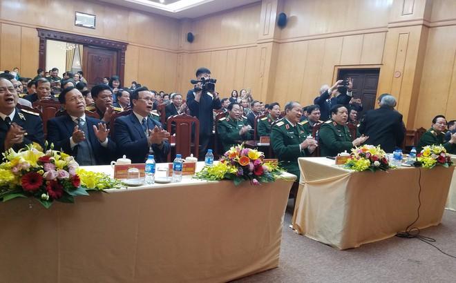 Đại tướng Phùng Quang Thanh ôn lại những phút giây hào hùng, hát mãi khúc quân hành mừng Trung tướng Nguyễn Như Hoạt