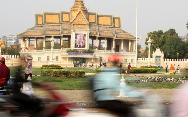 """""""Tính xấu"""" của du khách TQ và nỗi cay đắng khó nói của người dân Campuchia ngay trên """"sân nhà"""""""