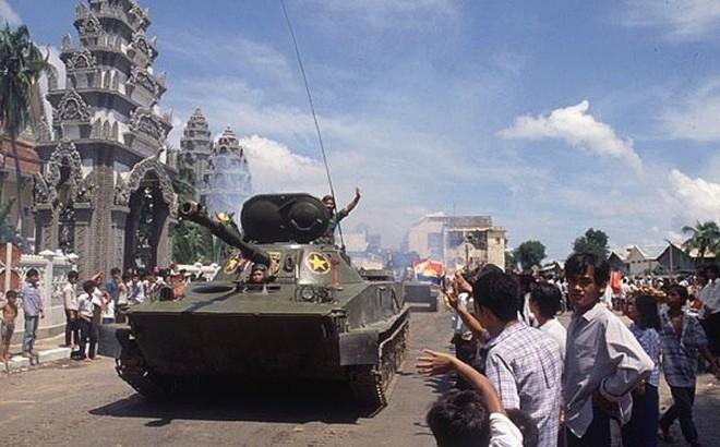 Tiến công trong hành tiến - Thần tốc giải phóng Phnom Pênh: Khmer Đỏ không kịp trở tay