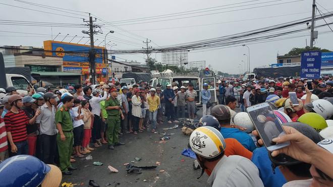 Phó Thủ tướng yêu cầu làm rõ nguyên nhân vụ xe container gây tai nạn thảm khốc ở Long An - Ảnh 1.