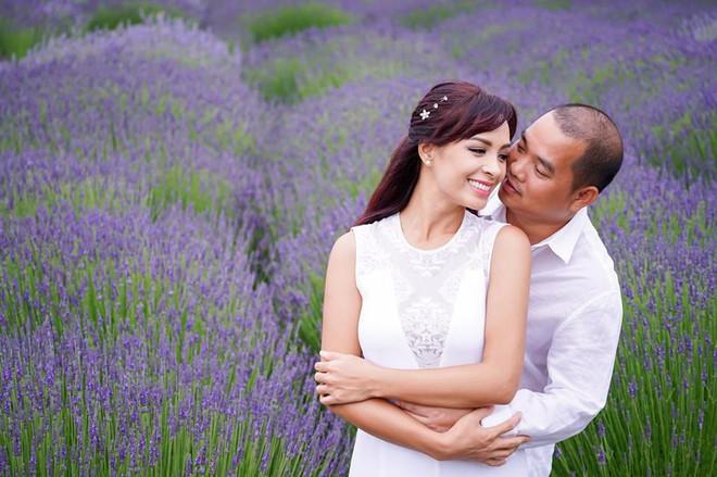 Thúy Hạnh bật khóc: Tôi không trách chồng về việc đám cưới chỉ có ba người nhà chồng tới dự - Ảnh 4.