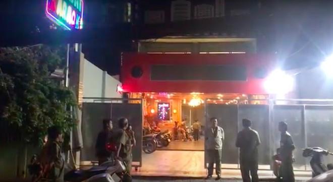 Phát hiện nhiều dân chơi đang phê ma túy trong quán bar, karaoke ở Sài Gòn - Ảnh 3.