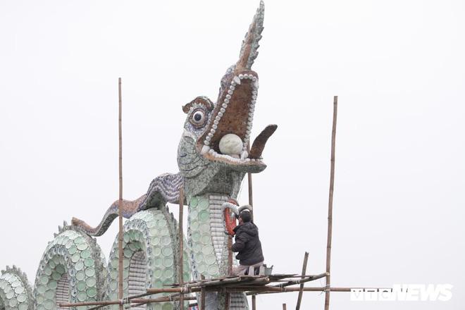 Ảnh: Đôi rồng thời Lý nặng 60 tấn ở Hồ Tây lần đầu được tu sửa đón Tết Nguyên đán - Ảnh 11.