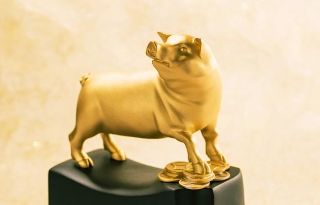 Tượng heo vàng giá hàng trăm triệu đồng được người Sài Gòn săn lùng để chơi Tết Kỷ Hợi 2019 - Ảnh 12.