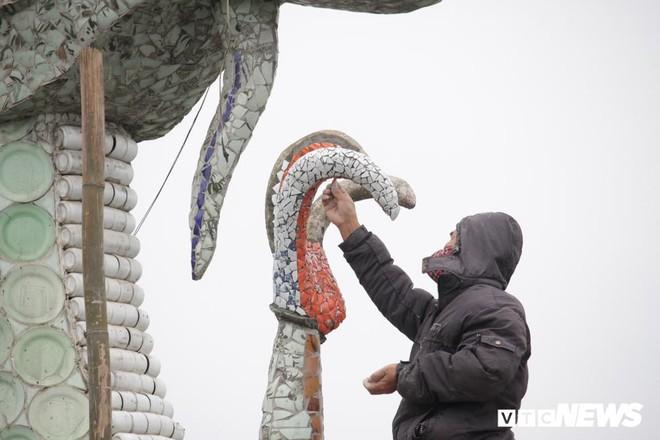 Ảnh: Đôi rồng thời Lý nặng 60 tấn ở Hồ Tây lần đầu được tu sửa đón Tết Nguyên đán - Ảnh 4.