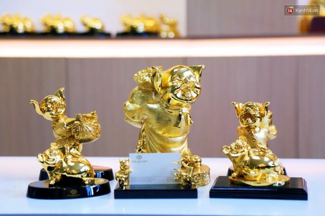 Tượng heo vàng giá hàng trăm triệu đồng được người Sài Gòn săn lùng để chơi Tết Kỷ Hợi 2019 - Ảnh 4.