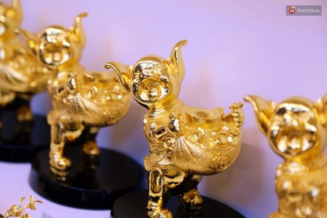 Tượng heo vàng giá hàng trăm triệu đồng được người Sài Gòn săn lùng để chơi Tết Kỷ Hợi 2019 - Ảnh 10.