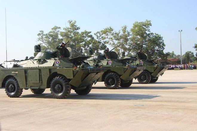 Kiêu hãnh - Tự hào: Vũ khí Made in Vietnam sánh cùng Nga, TQ trong Duyệt binh ở Lào - Ảnh 3.