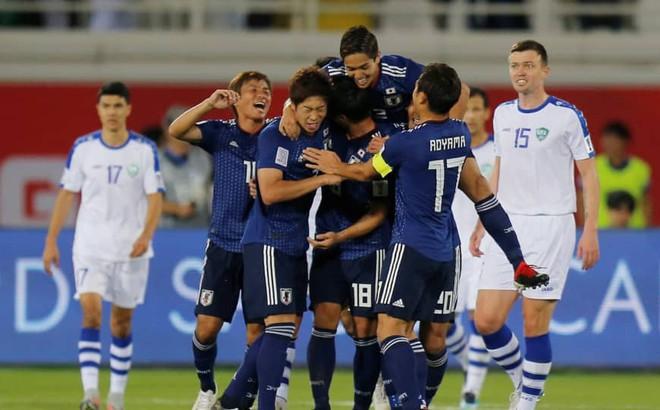 Fan Thái Lan thi nhau cổ vũ... Nhật Bản hạ Việt Nam