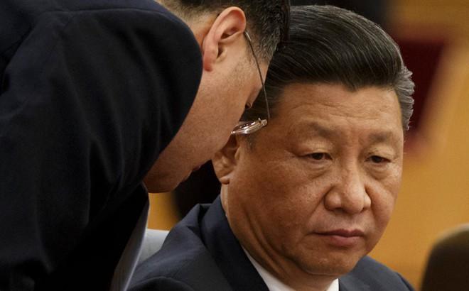 """Kinh tế TQ liên tục báo động đỏ, ông Tập yêu cầu quan chức cảnh giác cao độ trước """"hiểm họa"""""""