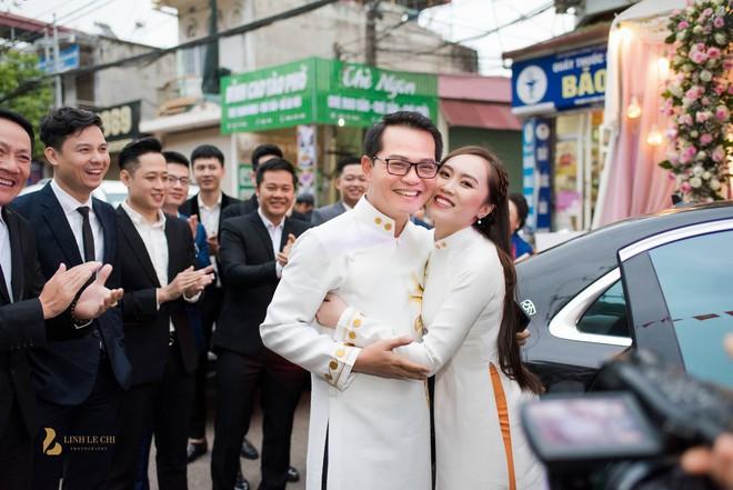 Sau đám cưới với vợ kém 19 tuổi, NSND Trung Hiếu: Tôi không có cả đêm tân hôn! - Ảnh 2.