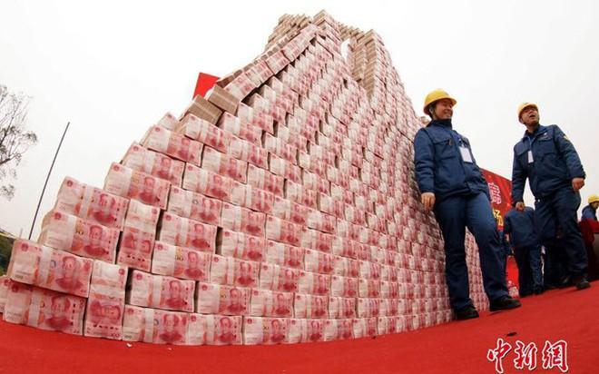 24h qua ảnh: Công ty Trung Quốc chất núi tiền thưởng Tết nhân viên - Ảnh 4.