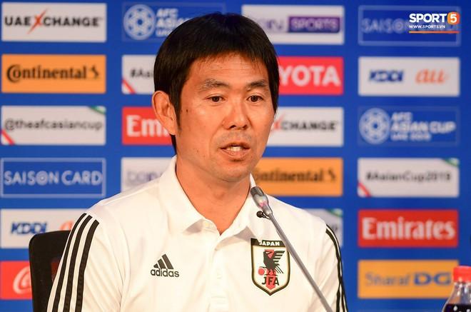 HLV tuyển Nhật Bản: Việt Nam chắc chắn là đội bóng mạnh - Ảnh 1.