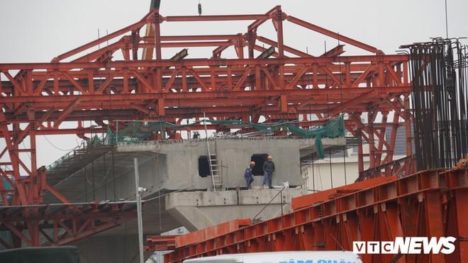 Ảnh: Đại công trường gần 10.000 tỷ đồng trên đường cong mềm mại ở Hà Nội - Ảnh 10.