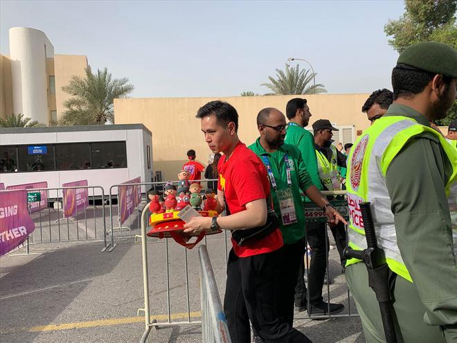 Không khí hừng hực tại Dubai trước trận đấu Việt Nam vs Nhật Bản - Ảnh 13.