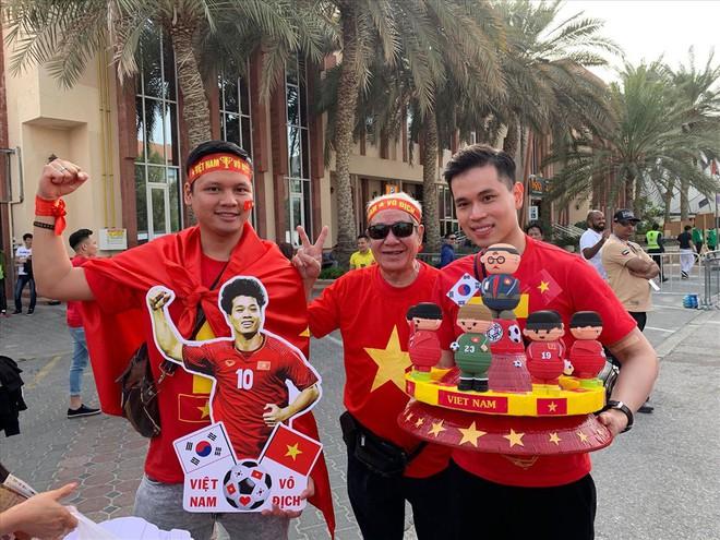 Không khí hừng hực tại Dubai trước trận đấu Việt Nam vs Nhật Bản - Ảnh 4.