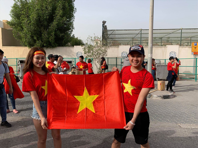 Không khí hừng hực tại Dubai trước trận đấu Việt Nam vs Nhật Bản - Ảnh 6.