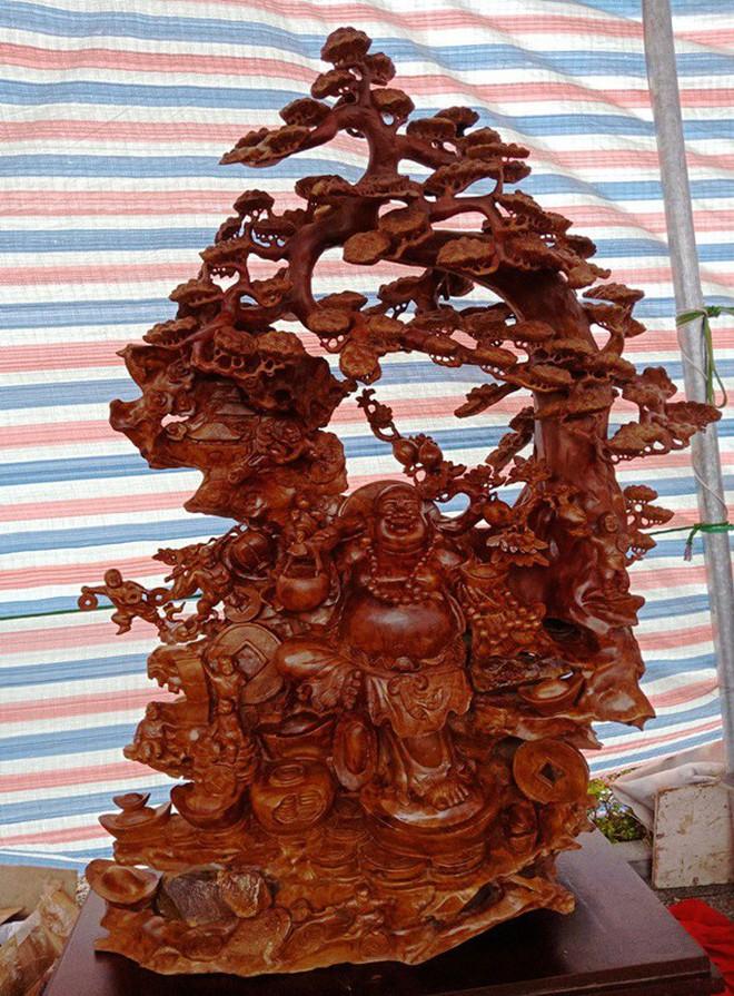 """""""Choáng"""" với bức tượng Phật Di Lặc bằng gỗ hương giá 1,2 tỉ đồng - Ảnh 12."""