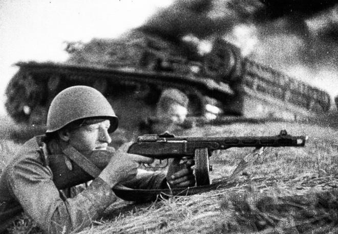 Khẩu súng huyền thoại của Liên Xô trong cuộc chiến Vệ quốc vĩ đại - Ảnh 10.