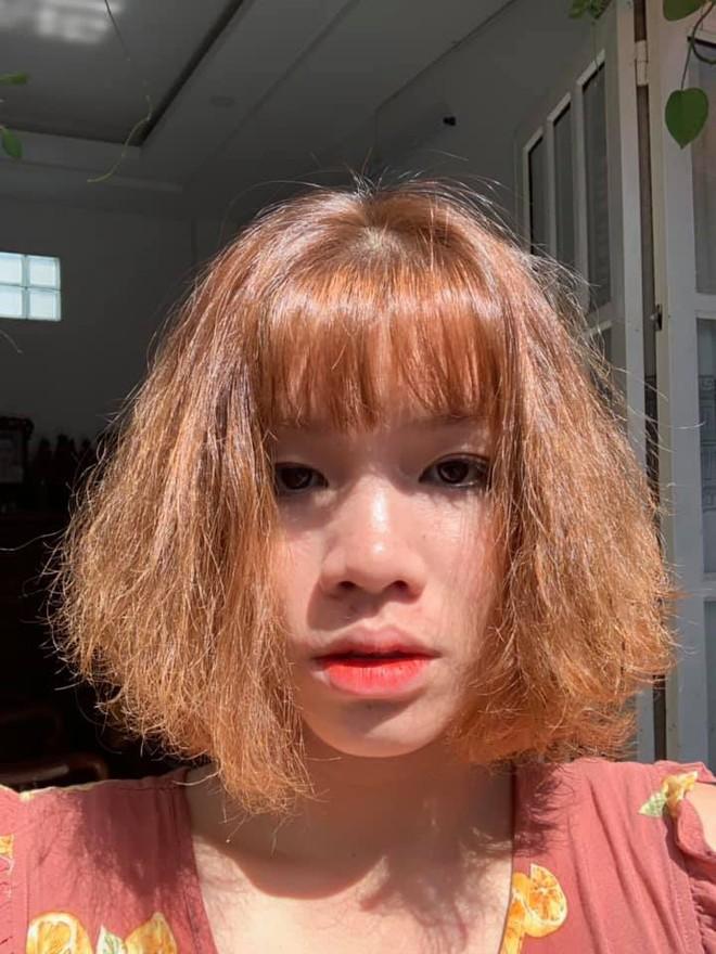 Gửi trọn niềm tin cho thợ cắt tóc, cô gái câm nín ngay khi nhìn thấy thành phẩm - Ảnh 4.