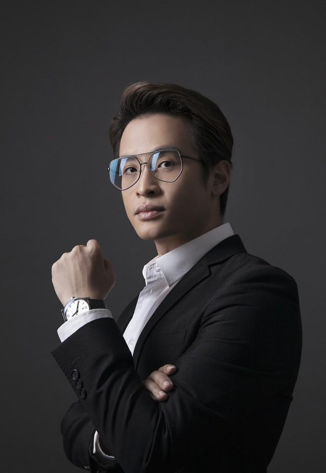 Hà Anh Tuấn mở màn năm 2019 bằng đêm nhạc tại lounge triệu đô - Ảnh 1.