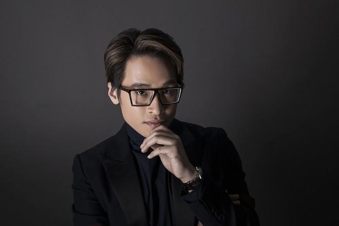 Hà Anh Tuấn mở màn năm 2019 bằng đêm nhạc tại lounge triệu đô - Ảnh 2.