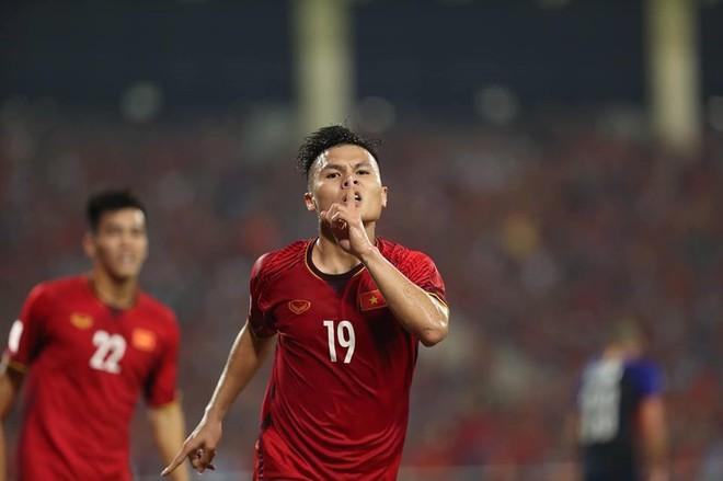 Chuyên gia Steve Darby: Muốn tuyển Việt Nam tiến bộ, Công Phượng, Quang Hải nên xuất ngoại thi đấu - Ảnh 2.