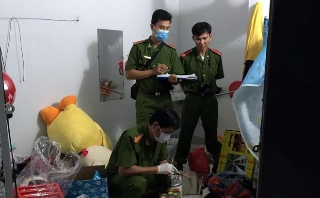 Người đàn ông ở Sài Gòn  dùng kéo đâm nhiều nhát vào chỗ nhạy cảm của bạn gái