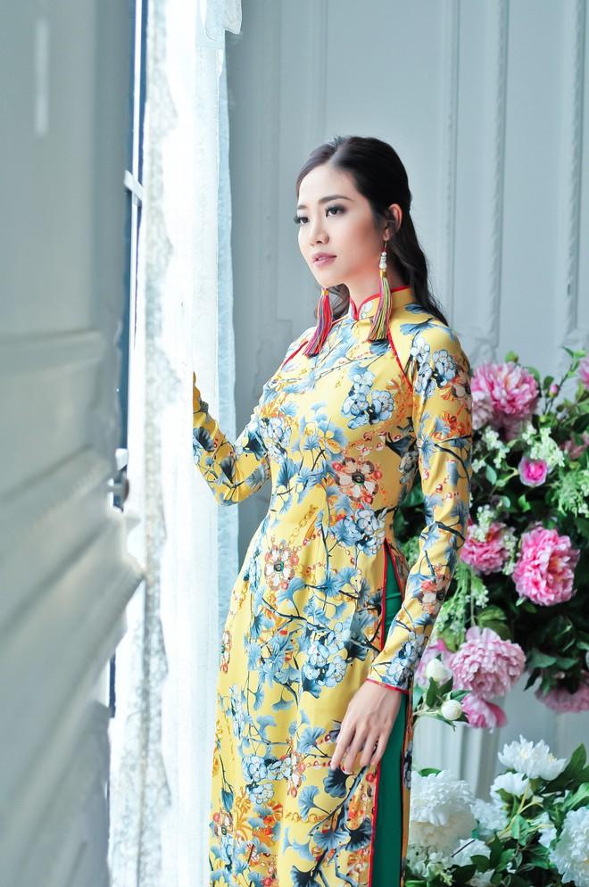 Hoa hậu biển Ninh Hoàng Ngân khoe vẻ đẹp dịu dàng, nữ tính  - Ảnh 12.