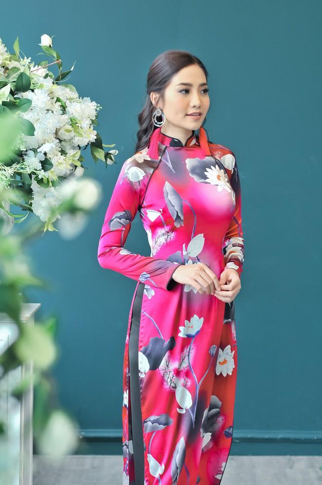 Hoa hậu biển Ninh Hoàng Ngân khoe vẻ đẹp dịu dàng, nữ tính  - Ảnh 10.