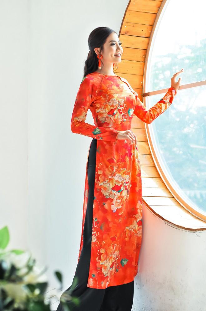 Hoa hậu biển Ninh Hoàng Ngân khoe vẻ đẹp dịu dàng, nữ tính  - Ảnh 7.