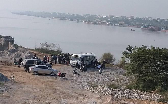Người đàn ông chết đuối ở sông Thái Bình khi thả cá tiễn ông Công ông Táo