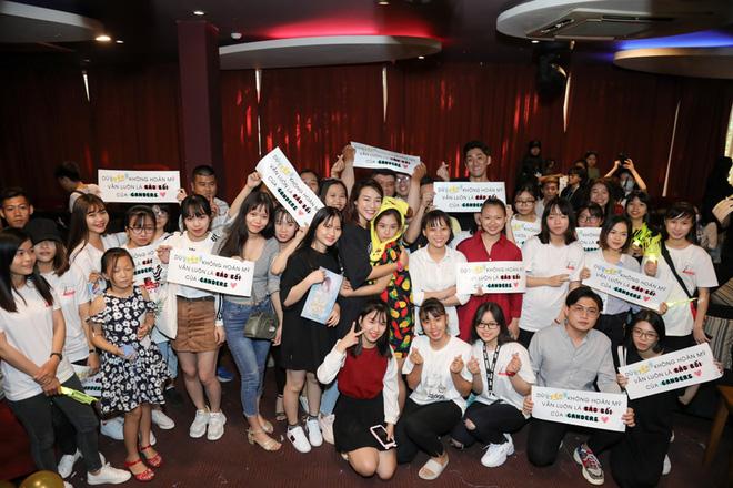 Hoàng Yến Chibi tung sáng tác đầu tay dành tặng fan - Ảnh 5.