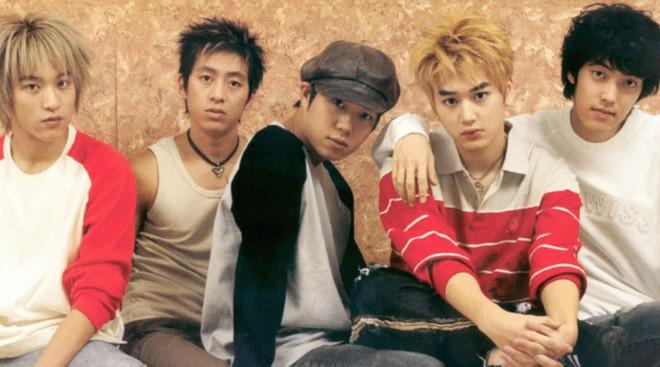 4 tin đồn đồng tính gây sốc nhất lịch sử Kbiz: Yuri và Son Ye Jin yêu tay ba, idol nam cắm sừng nhau - Ảnh 3.