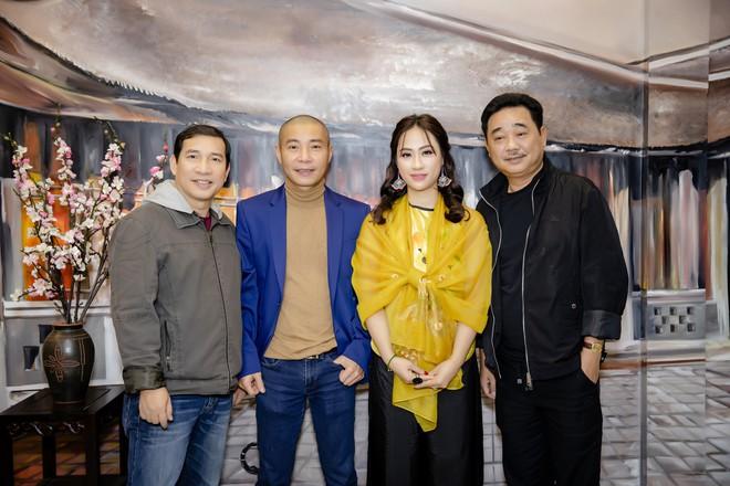 Quốc Khánh chăm chút cho cô Đẩu Công Lý  - Ảnh 7.