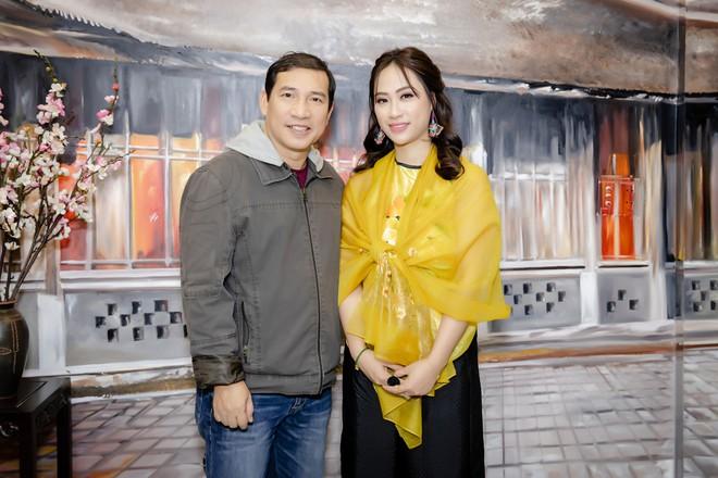 Quốc Khánh chăm chút cho cô Đẩu Công Lý  - Ảnh 8.