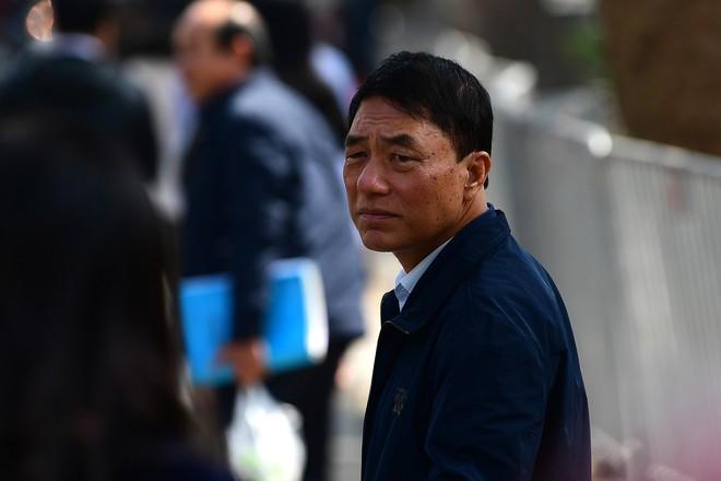 Sau khi bị tuyên hơn 30 tháng t.ù, 2 cựu Thứ trưởng Bộ Công an bình thản rời tòa - Ảnh 15.