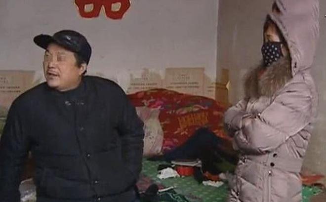 Trở về nhà sau 16 năm làm ăn xa quê, người phụ nữ bị chồng và con gái đuổi thẳng cổ vì lý do này