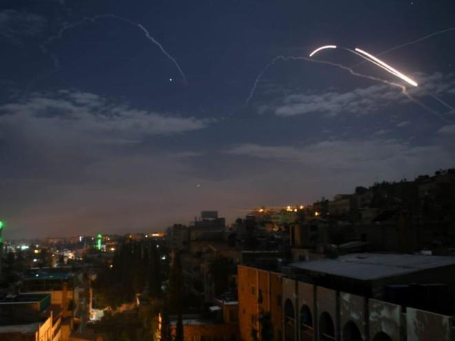 Israel-Iran chỉ chơi trò mèo vờn chuột ở Syria, Nga không cần hãm phanh để ngăn chặn rủi ro? - Ảnh 1.