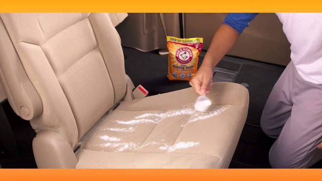 Mẹo đơn giản để làm sạch xe ô tô mà chỉ những người lái kinh nghiệm mới biết - Ảnh 4.