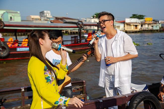 Mr. Đàm đốn tim fan với tình khúc Bolero bất hủ trên chợ nổi Cái Răng đón Tết 2019 - Ảnh 7.